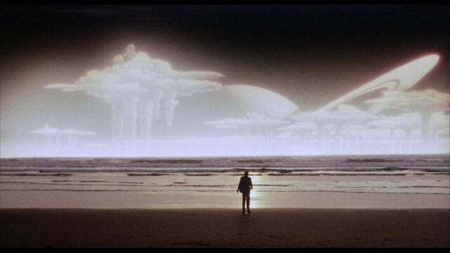 La terra silenziosa (The Quiet Earth) è un film neozelandese post apocalittico diretto da Geoff Murphy del 1985. Anche se la sceneggiatura venne affidata a Bruno Lawrence e Sam Pillsbury, la pellicola è liberamente ispirata all'omonimo romanzo del 1981 di Craig Harrison. Il film presenta altrettante fonti di ispirazione come il romanzo del 1954, I Am Legend, Dawn of the Dead, e soprattutto il film del 1959 The World. Sorprende, se non altro, il finale del film che viene lasciato al pubblico, risultando così un'opera enigmatica e analitica. La terra silenziosa ha ottenuto un ottimo riscontro di critica ed è considerato un cult senza tempo, tanto che l'astrofisico Neil deGrasse Tyson lo ha definito uno dei suoi dieci film preferiti in assoluto.